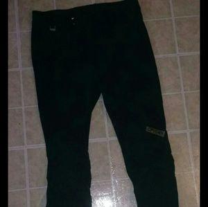 Spyder Entrant snowboarding ski pants. Men's 43L
